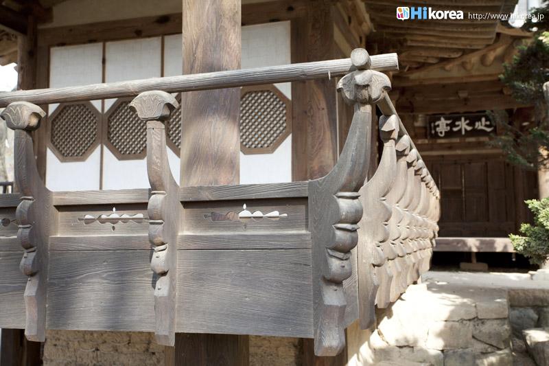 良洞村にいつから人が住んでいたのか正確な文献記録は無く、青銅器時代墓祭(墓前で行う祭祀)の一つだ
